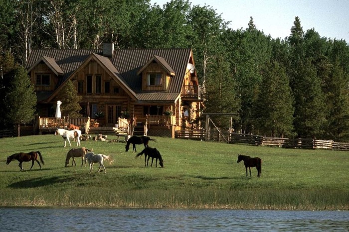 Siwash Lake Ranch - lakefront lodge with horses